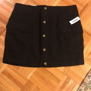 NWT Size 6 Black Old Navy skirt